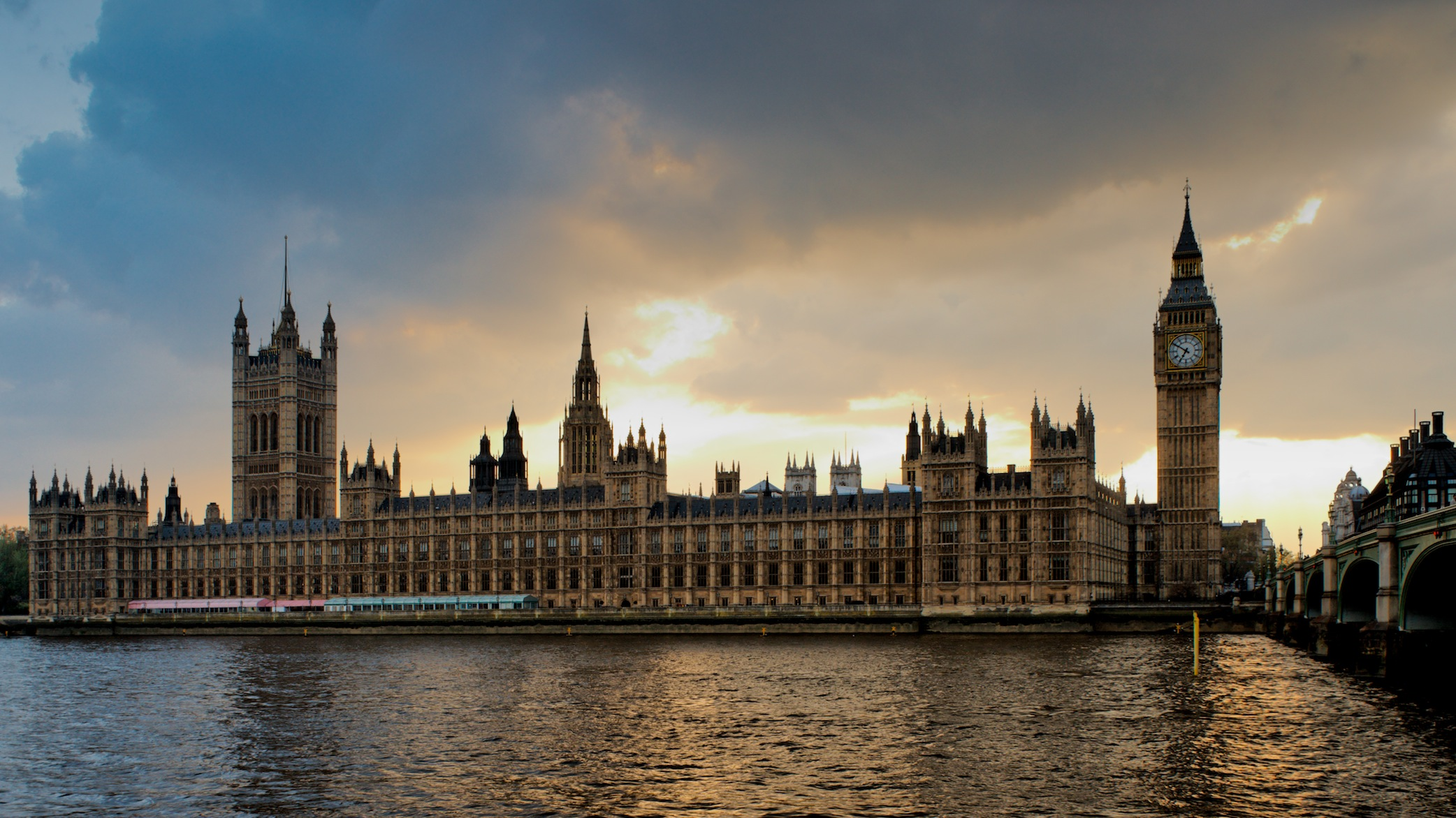 Westminster-Abbey-Sunset-deposit-photos-low-res